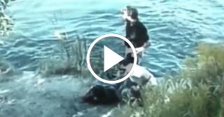 Increíbles imágenes de un escape hacia la RFA a través de un río, de ciudadanos alemanes democráticos