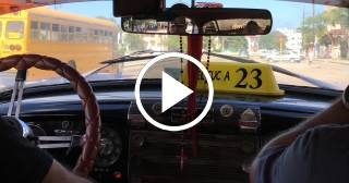 ¿Qué opina un botero y su cliente de la situación del transporte en Cuba?