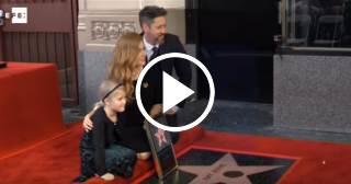La actriz Amy Adams recibe su estrella en el Paseo de la Fama de Hollywood