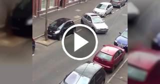 ¿Conoces a alguien que estacione su auto así?