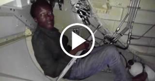 Investigan caso del dominicano que llegó a Miami en el tren de aterrizaje de un avión