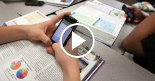 Francia prohibirá celulares en las escuelas primarias y secundarias