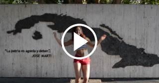 """Nuevo baile sensual de la animadora cubana de los Miami Dolphins con """"Hey Ma"""""""
