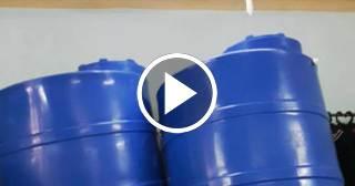 Tanques para el almacenamiento de agua se venden al doble en el mercado negro