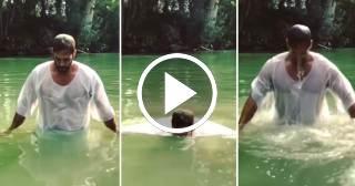William Levy se bautiza en las aguas santas de río Jordán en Israel