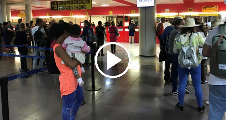 Un día cualquiera en el Aeropuerto de La Habana, Cuba
