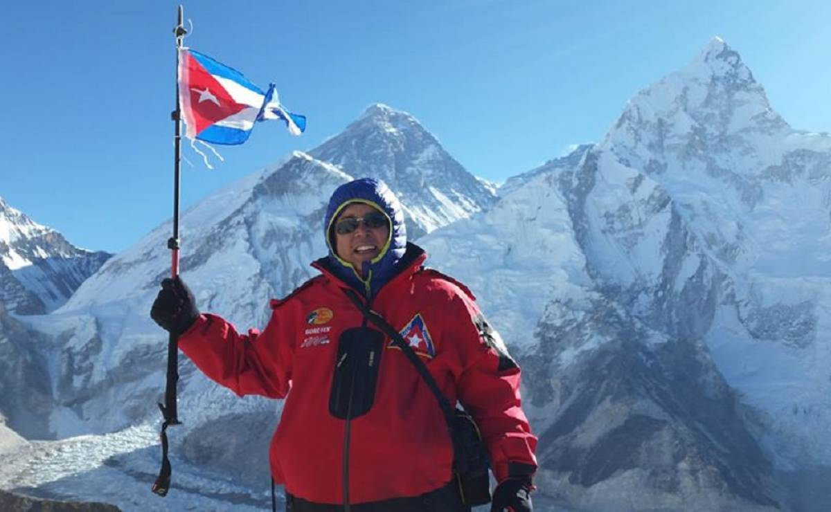 Doctor cubano José Soto sigue camino al Everest, y ya llegó a los 5643 metros