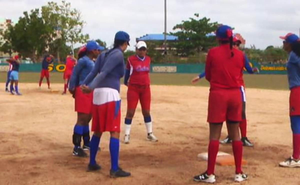 Preselección nacional se prepara para el Campeonato Panamericano de softbol femenino