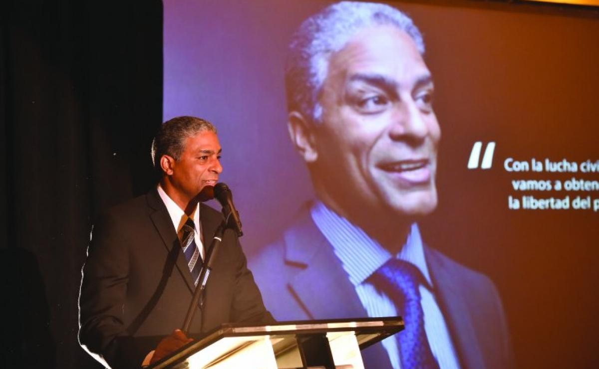 Arrestan en La Habana al doctor Oscar Elías Biscet