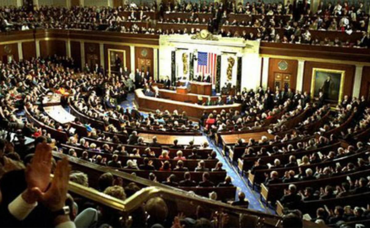 Proyecto republicano para desmantelar el Obamacare se acerca al Senado