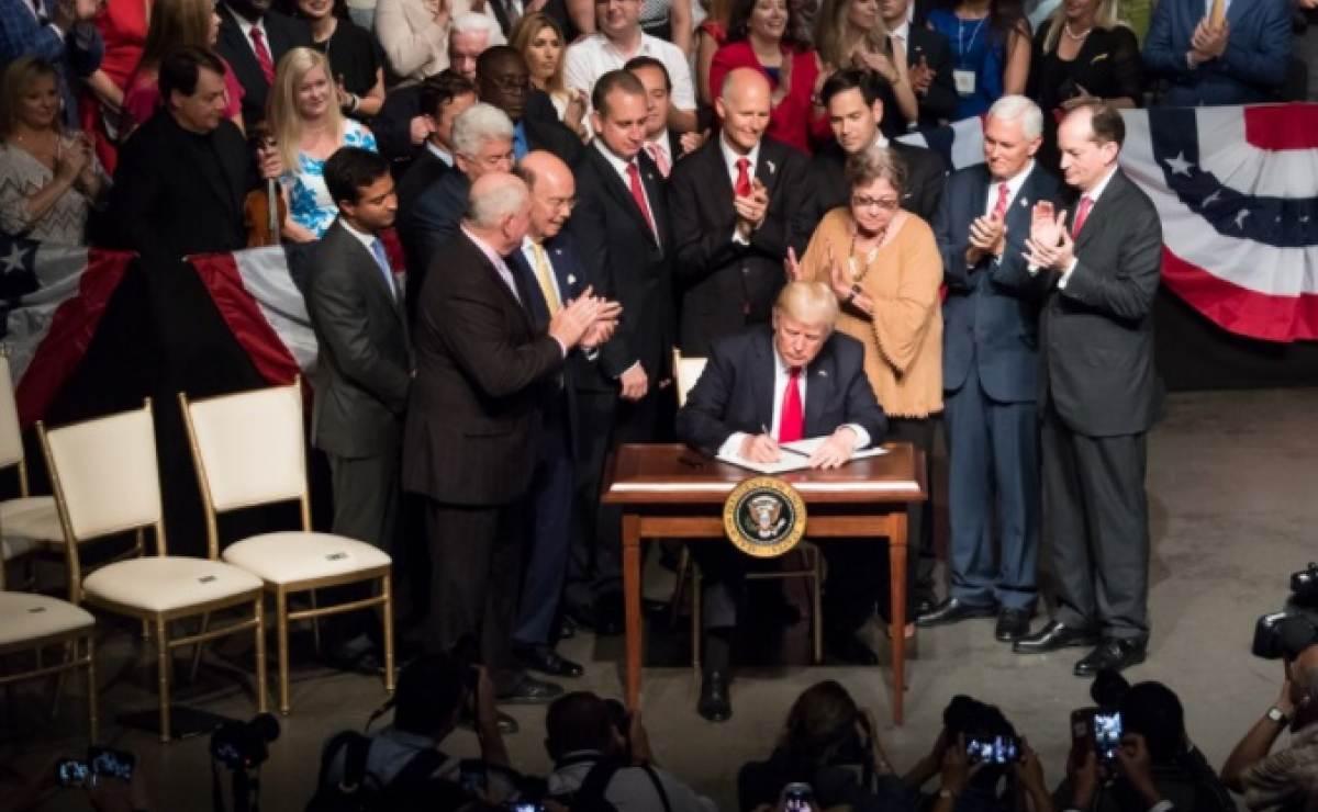 Entra en vigor el veto migratorio de Trump de forma parcial