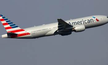 Atienden por náuseas a varios pasajeros de vuelo de American Airlines en Miami