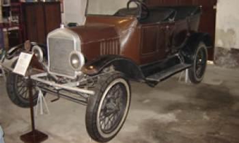 El Primer Automóvil que rodó en Cuba.