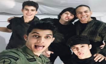 """Los chicos de CNCO cantan un fragmento de """"Súbeme la Radio"""""""