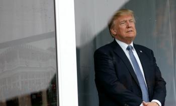 Solo el 36% de los estadounidenses aprueba el desempeño del presidente Donald Trump, según encuesta