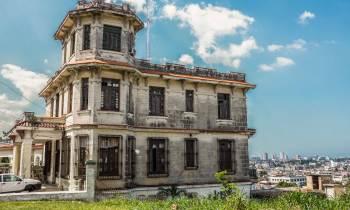 Santos Suárez: La mística Loma de Chaple y sus mansiones abandonadas (FOTOS)