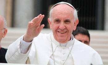 """Papa Francisco alerta sobre el populismo: """"Hitler no robó el poder, fue votado por su pueblo"""""""