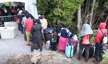 Este año más de 15,000 personas que vivían en EE.UU. han cruzado frontera a Canadá en busca de refugio