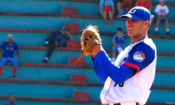 Granma le roba la iniciativa a Matanzas en inicio de la postemporada del béisbol cubano