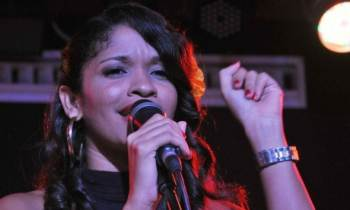 Concierto de Luna Manzanares celebra diez años de carrera