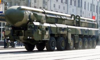 """Secretario de Seguridad Nacional de EEUU dice que los misiles rusos podrían """"aplastar"""" la defensa estadounidense"""