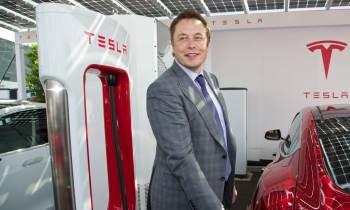 Elon Musk, CEO de Tesla, quiere devolverle la electricidad a Puerto Rico con energía solar