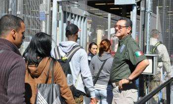 El Nuevo Herald pide a Obama que deje pasar a los cubanos varados en la frontera