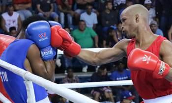 Lázaro Álvarez y Roniel Iglesias debutan con victorias en el Playa Girón de Boxeo