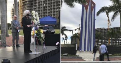 Un grupo de exiliados y miembros de organizaciones democráticas rindió homenaje a las víctimas de la Masacre de Hermanos