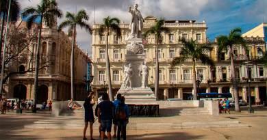 Estatua José Martí Parque Central
