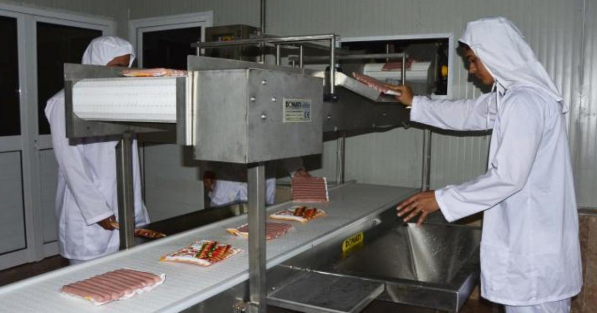Kubas erste Hotdog-Fabrik | Foto © Escambray / Vicente Brito | Quelle: www.cibercuba.com | Bilder sind in der Regel urheberrechtlich geschützt
