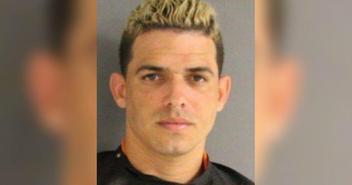 Cubano condenado a 10 años de libertad condicional por instalar un 'skimmer' en una gasolinera en Texas